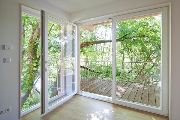 j be p tett ablak p cs hull mf rd. Black Bedroom Furniture Sets. Home Design Ideas